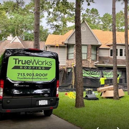 TrueWorks Roofing truck